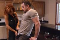 Veronica Avluv se fute si suge pula unui super barbat