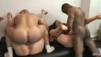 Sex in grup cu lesbiene mature