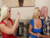 2 blonde cu tate imense futute si spermate