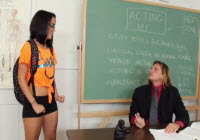 Eleva Dillion Harper luata la pula pe catedra de profesor