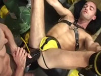 Gangbang, orgii , futaiuri si masturbare cu gay perversi