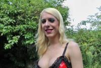 Transexual blond fute anal o pizda nimfomana