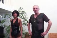 BDSM , un barbat maltratat anal de o milfa bruneta