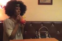 Sex oral cu o negresa intr-un bar de noapte