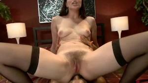 2 femei,o pula si mult sex anal