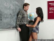 Un profesor isi da examenul oral
